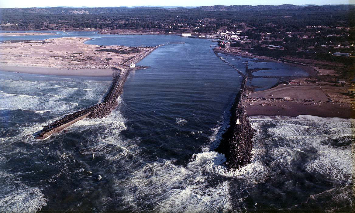 Port entry coquille river port of bandon oregon for Jetty fishing oregon